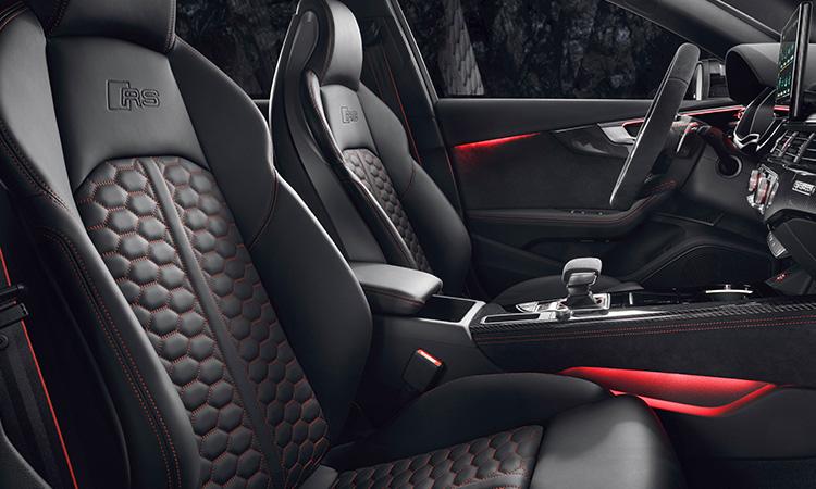 Audi Rs 4 Avant_2020-ภายในตกแต่งด้วยด้ายแดง-1
