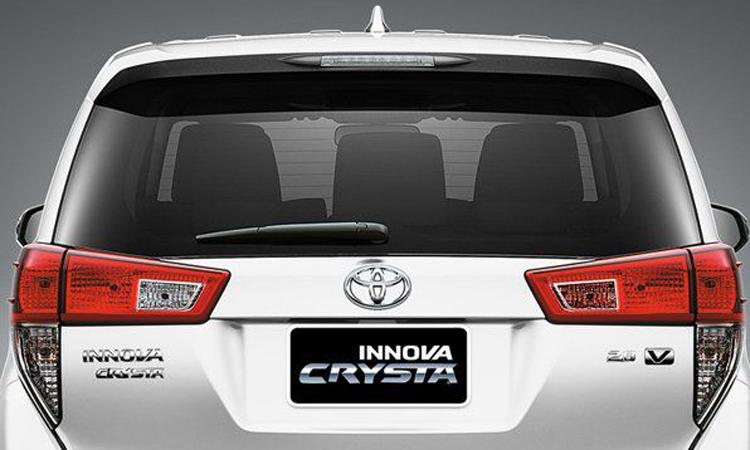 ด้านหลัง Toyota Innova Christa