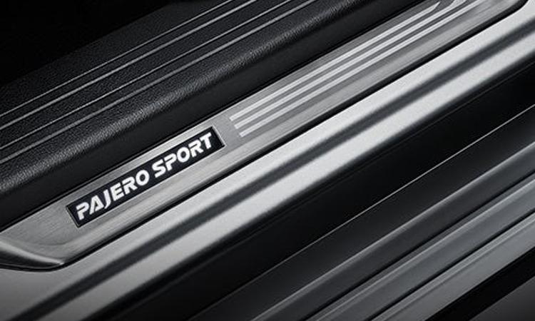 บันได Mitsubishi Pajero Sport Elite Edition