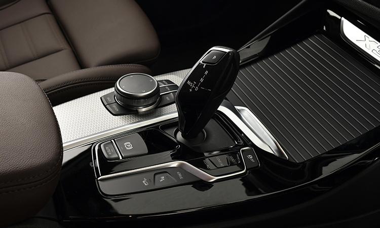 เกียร์ BMW X3 xDrive30e M Sport