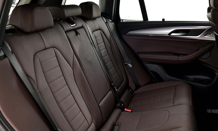 เบาะหลัง BMW X3 xDrive30e M Sport