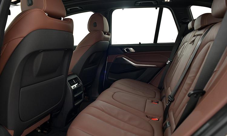 บาะหลัง BMW X5 xDRIVE 30d M Sport
