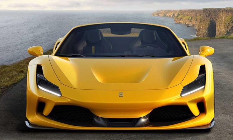 ด้านหน้า Ferrari F8 Spider
