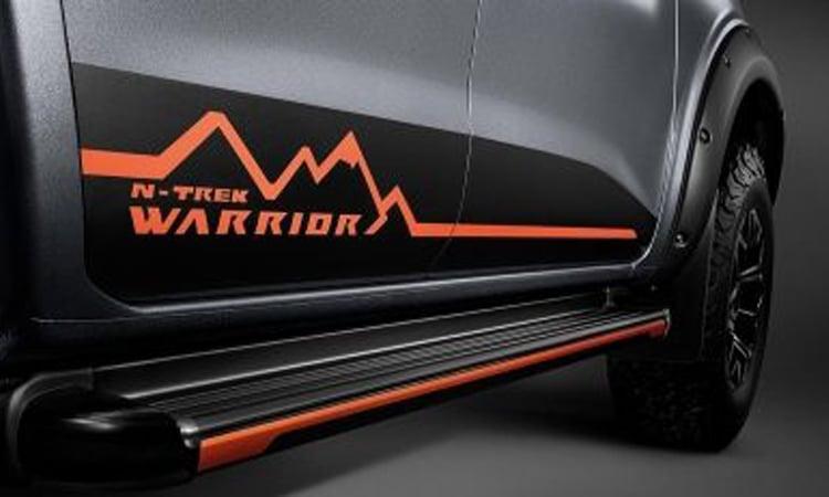 Navara N-TREK Warrior สีเทา ทไวไลท์ เกรย์ (Twilight Gray)