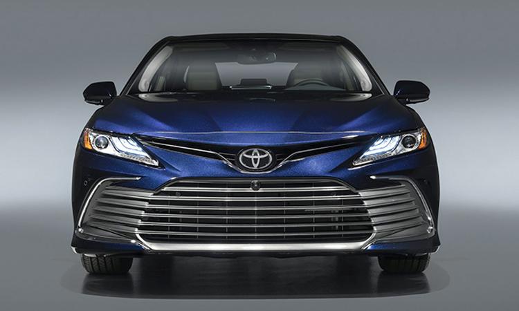 ด้านหน้า Toyota Camry Minorchange