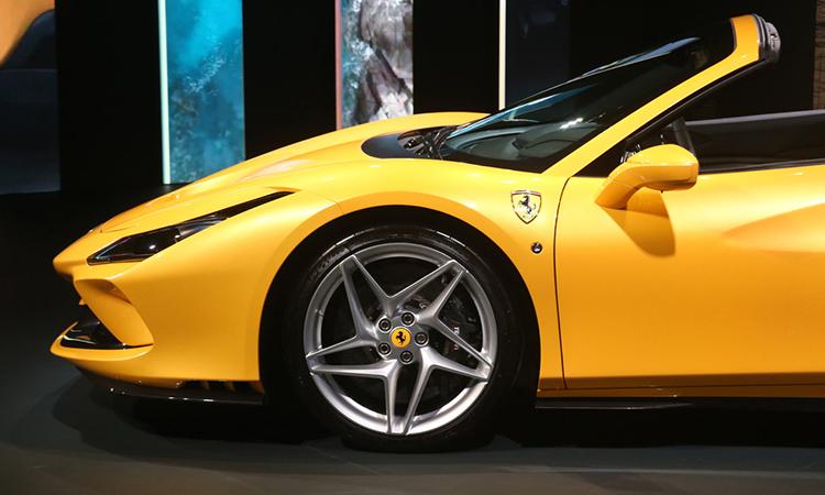 ล้อ Ferrari F8 Spider