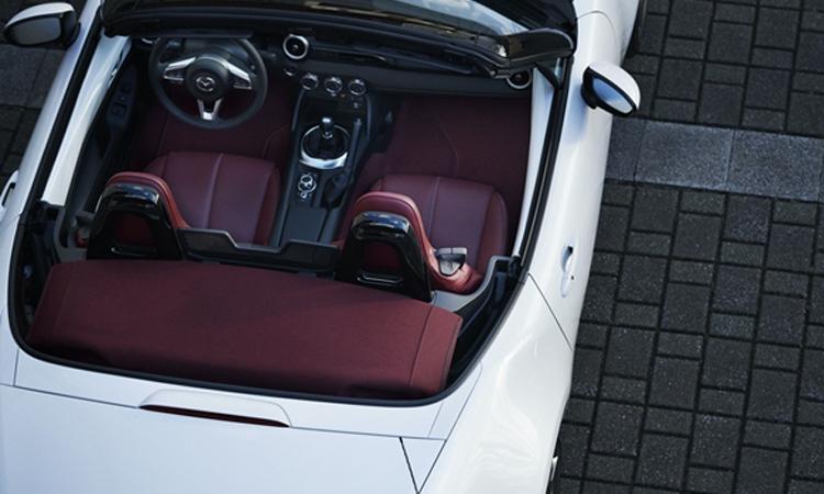 ภายใน Mazda MX-5 100th Anniversary