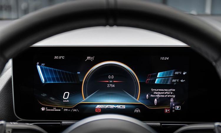 พวงมาลัย Mercedes-AMG GLA45 2021