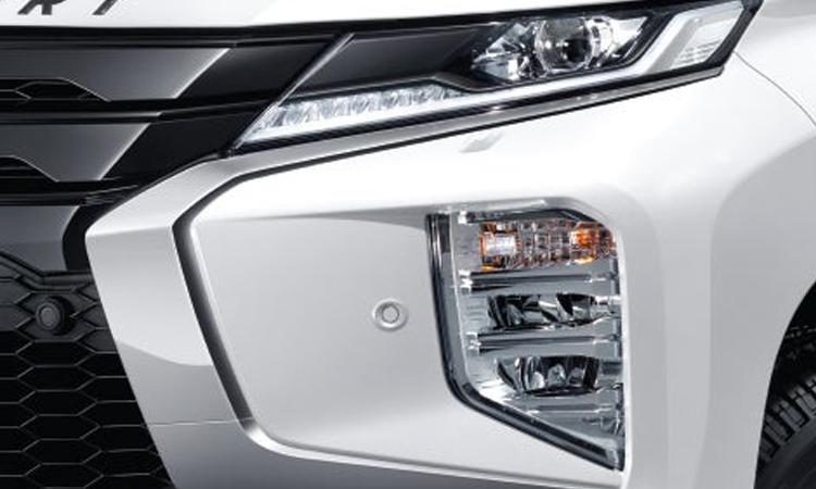 ไฟหน้า Mitsubishi Pajero Sport Elite Edition