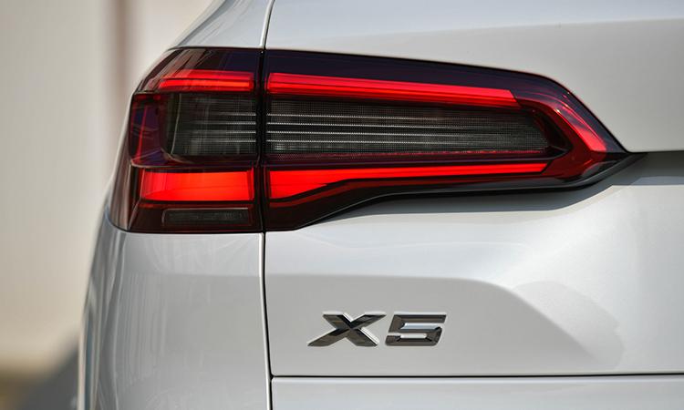 ไฟท้าย BMW X5 xDRIVE 30d M Sport