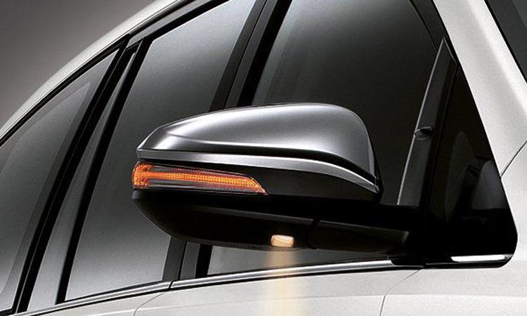 กระจกมองข้าง Toyota Innova Christa