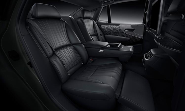 เบาะหลัง Lexus LS