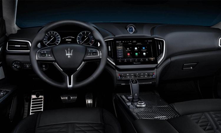 ภายใน Maserati Ghibli Hybrid 2020
