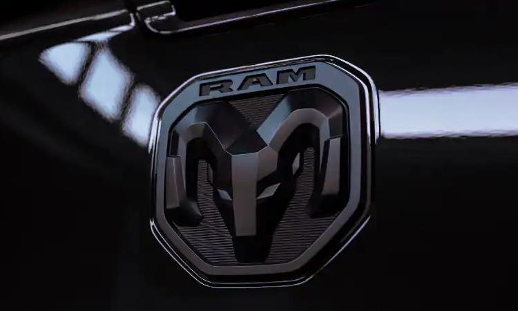 ที่เปิดกระดานท้าย RAM Heavy Duty Limited Black Edition