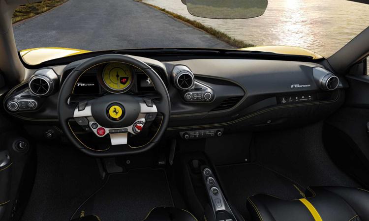 ภายใน Ferrari F8 Spider