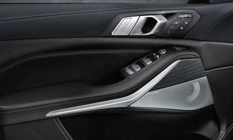 แผงประตู BMW X7 Dark Shadow Edition 2020