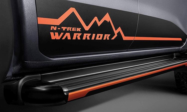 บันไดขึ้น Navara N-TREK Warrior
