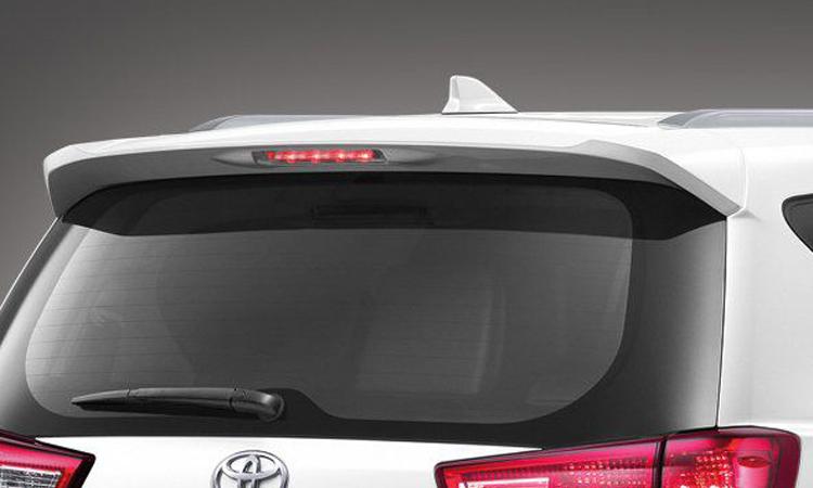 ท้าย Toyota Innova Christa