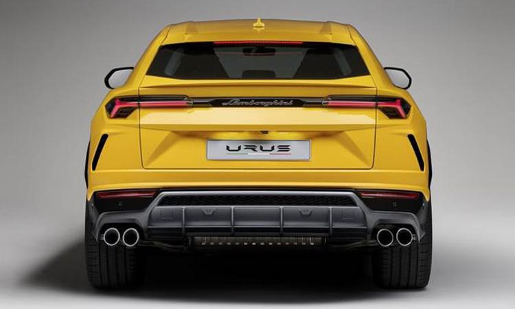 Lamborghini Urus ท้าย