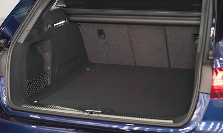 ที่เก็บของด้านหลัง Audi A4 Avant 45 TFSI quattro S-Line Black Edition