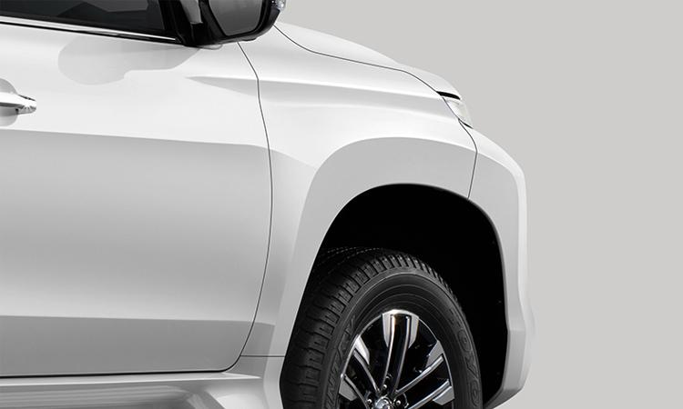 ซุมล้อหน้า Mitsubishi Pajero Sport 2.4 GT-Plus 2WD