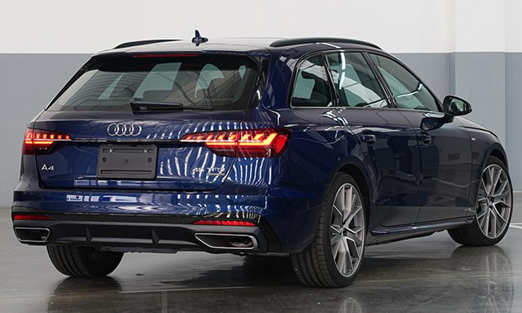 ดีไซน์ Audi A4 Avant 45 TFSI quattro S-Line Black Edition