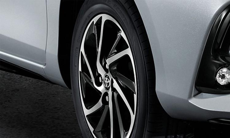 ล้อ Toyota Yaris ATIV Minorchange