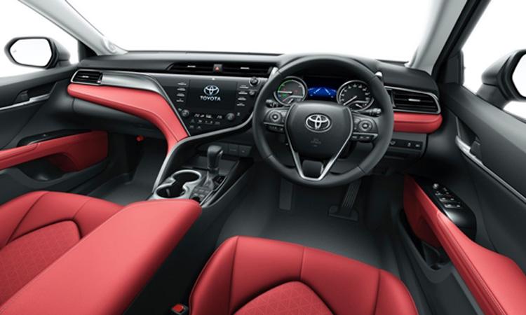 kp.o Toyota Camry Black Edition