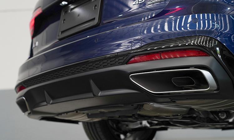 ท่อไอเสีย Audi A4 Avant 45 TFSI quattro S-Line Black Edition