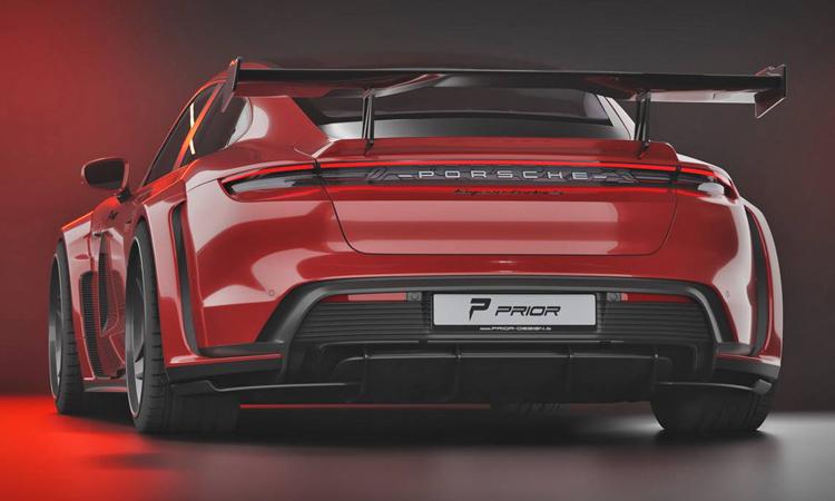 ด้านหลัง Porsche Taycan Turbo S