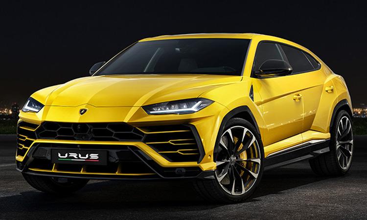 Lamborghini Urus ด้านหน้า