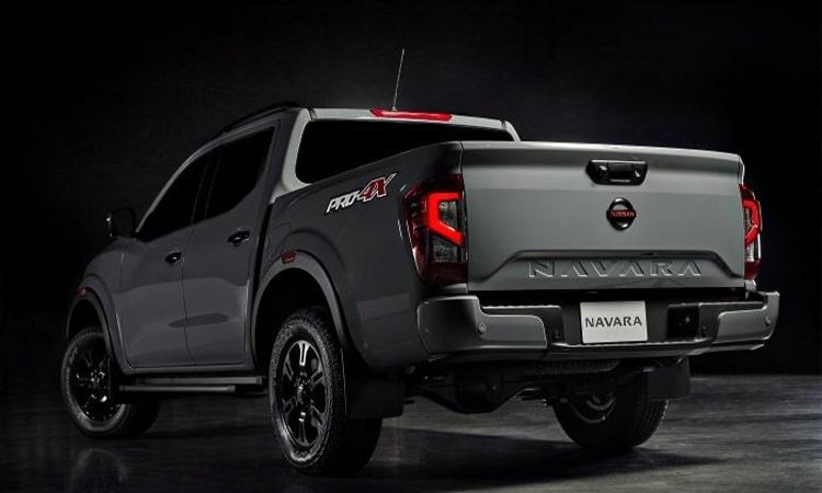 Nissan Navara Pro4X-01